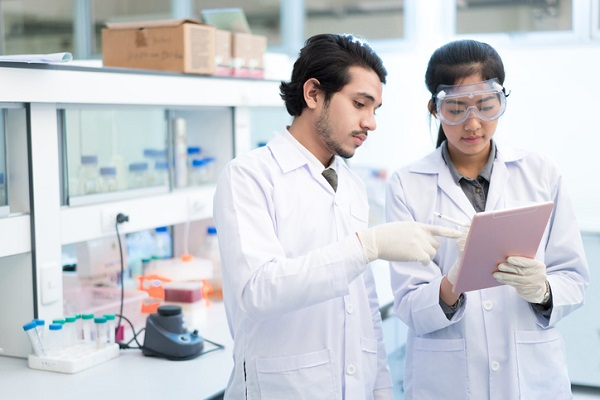 pharmaceutical manufacturing technician